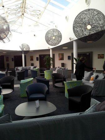 Hotel Serge Blanco & Thalassotherapy Center :                                     Le bar