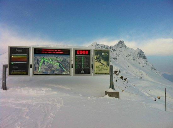 Berggasthaus Gotschnagrat:                   früh auf der Piste ohne Stress und Schlange *tip top!*