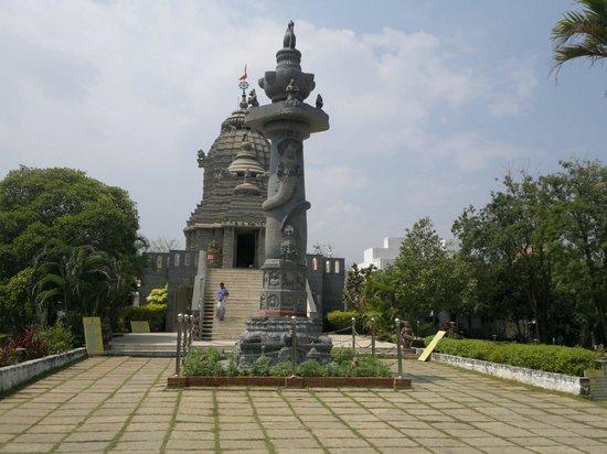 Jagannath Temple, Kanathur: The Entrance