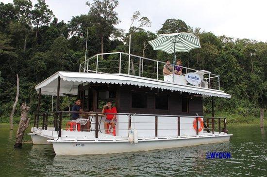 Gerik, Malesia: Belum Bred houseboat