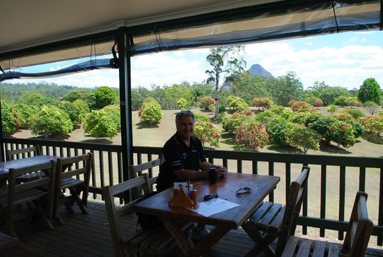 CrookNeck Retreat:                   Breakfast with a beautiful view