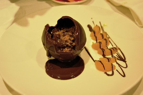 Brasserie Jules:                                     Boule chocolat froid / chaud