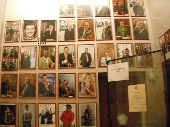 Hotel President Budapest:                   Zona de recepción.
