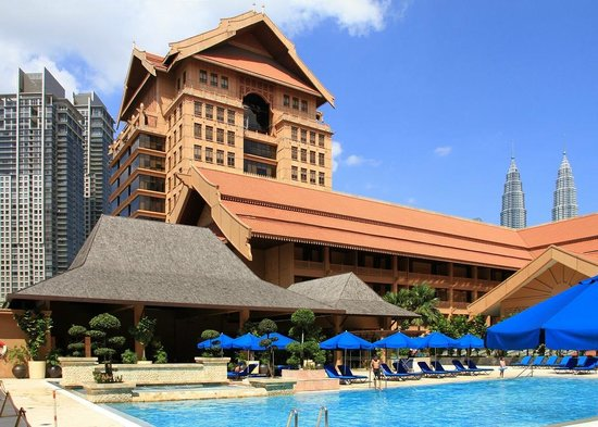 The Royale Chulan Kuala Lumpur: Hotel seen from the pool.
