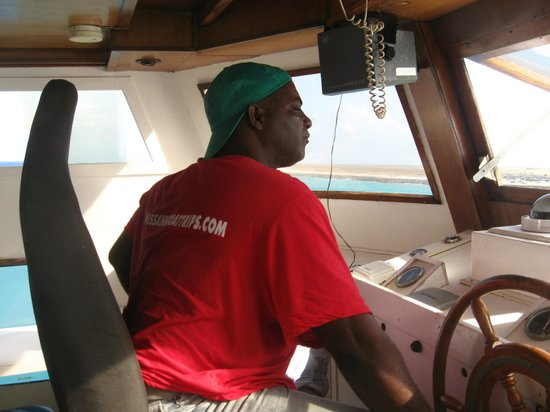 Klein (Little) Curacao:                   our CAPTAIN...excellent !!!!