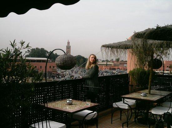 Riad Andalla:                   Impossible de quitter la terrasse : à faire et à refaire !!