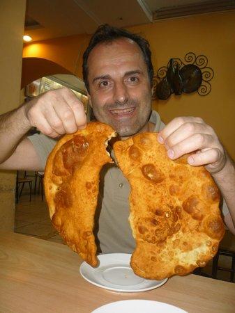 Restaurant La Tradition:                   Empanadas de queso