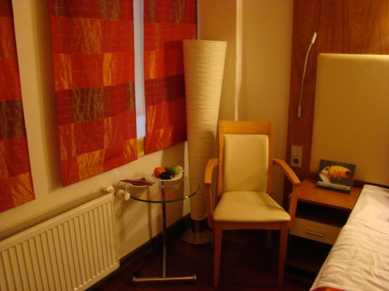 Hotel Ametyst Prague:                   welcome fruits
