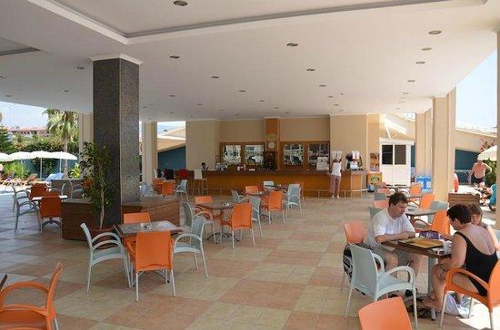 Hotel Titan Select:                   Pool bar