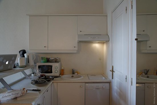 Short Stay Apartment Louvre : kitchen