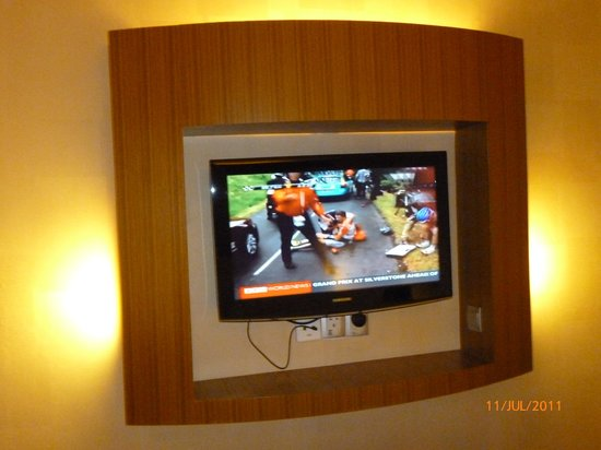 Courtyard Hotel @ 1Borneo:                   TV...with not-so-many-channels