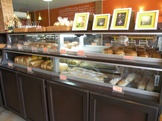 La Ceiba Bakery:                   Fresh baked breads and pastries