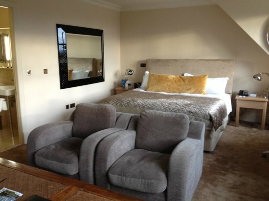 Stoke Park Country Club, Spa and Hotel:                                     Comfortable bed!