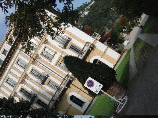 Villa d'Este: Entrée
