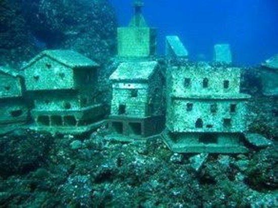 Cote Plongee : Plongée au Village de la Fourmigue, Antibes, Juan les Pins, Cannes