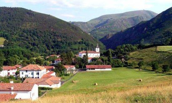Montagnes photo de itxassou pays basque tripadvisor for Restaurant itxassou