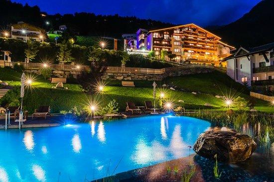 Hotel Jerzner Hof: Hotel mit Naturbadeteich