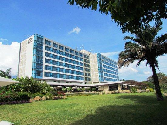 Mount Meru Hotel:                                     Hotel Mount Meru