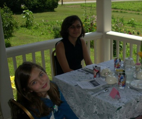 The Orchard Tea Rooms:                                     Outdoor Dining at Murphy's Orchard Tea Room