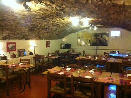 Charleville-Mezieres, Frankrig:                   la cave(ancien abri)
