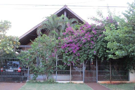 Pousada El Refugio:                   The pousada from outside.