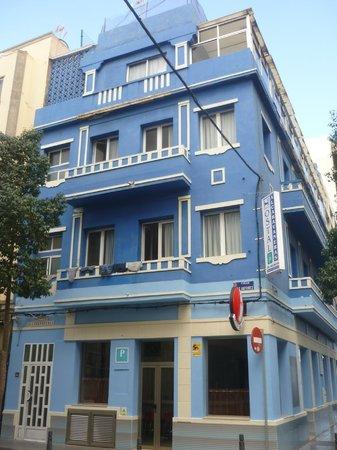 Hostal Alcaravaneras :                   zicht van het hostal - mooi gebouw