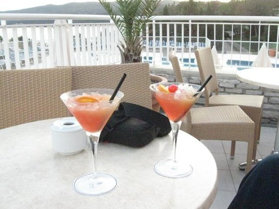 Valamar Bellevue Hotel & Residence:                   welcome cocktail