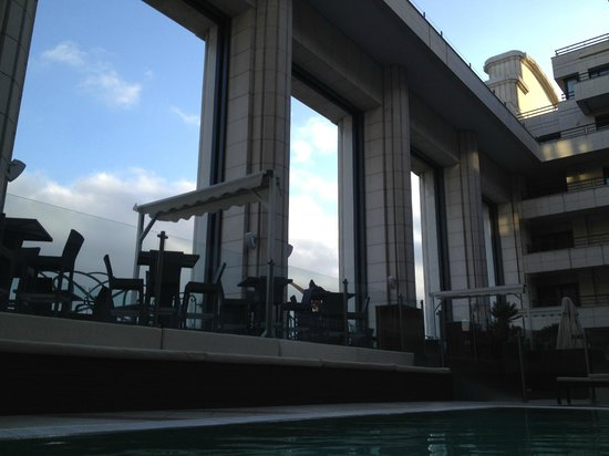 Hyatt Regency Nice Palais de la Mediterranee:                   Patio