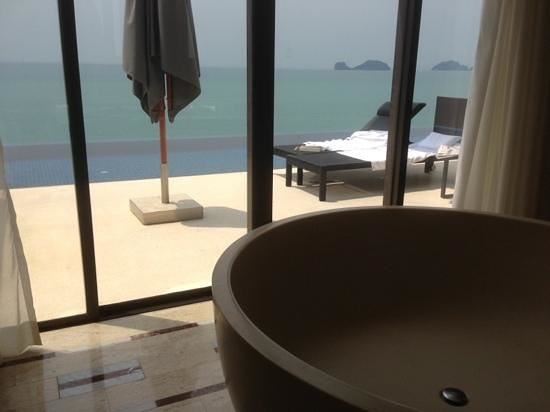 คอนราด เกาะสมุย: salle de bain