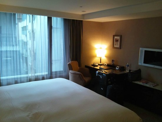 Grand Forward Hotel:                   room