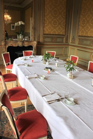 Chateau d'Artigny:                                     Salle à manger privatisée du premier étage
