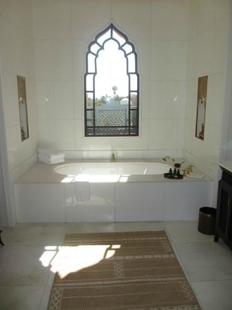 Sahara Palace Marrakech :                                     A bathroom with a view