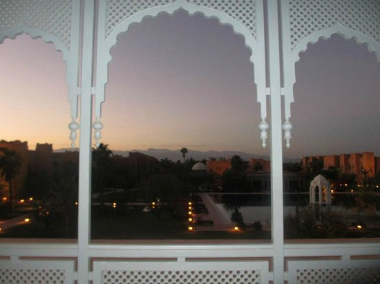 Sahara Palace Marrakech :                                     Sunrise at the Taj Palace