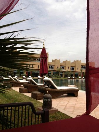 Sahara Palace Marrakech :                                     The Grounds & Pool