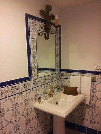 Hotel El Poeta de Ronda: el lavabo