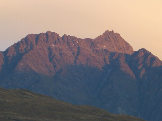 Villa Del Lago:                   The Remarkables at sunset