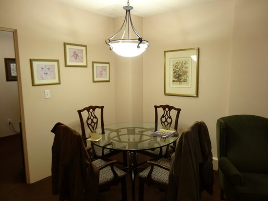 The Mark Spencer: In-room dining area