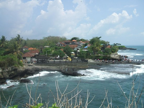 The Damai:                   Tanah Lot temple