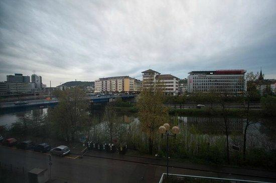 Mercure Hotel Saarbrücken City:                   リバービュー
