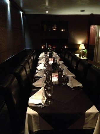 The Curry House:                   Cosy intimate and elegant dinning experience