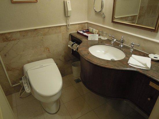Imperial Hotel Taipei:                   トイレはウォシュレット