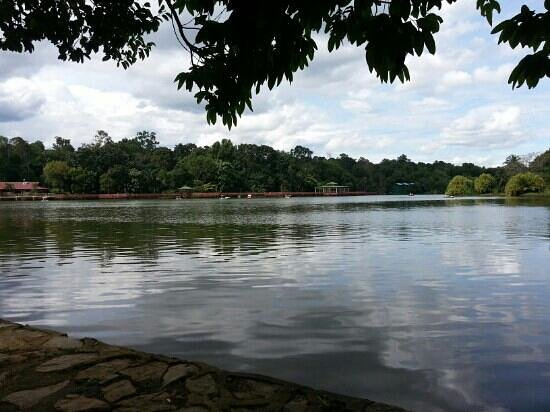 Air Keroh Lake:                   tasik ayer keroh