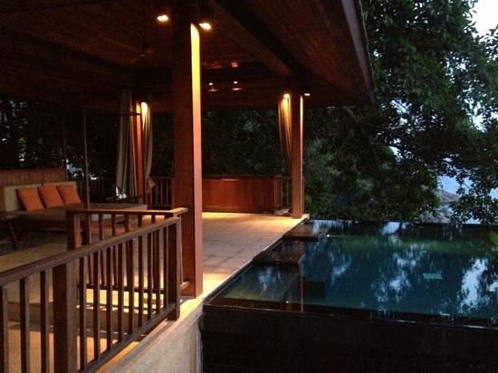 Paresa:                   the veranda attached to your room