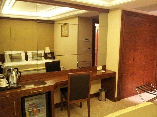 Eurostars Hotel Old City :                   Room
