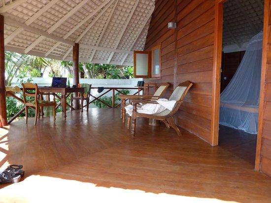 Rockside Cabanas Hotel:                   Terrasse