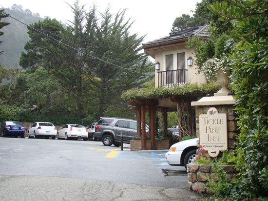 Tickle Pink Inn:                                     Main entrance