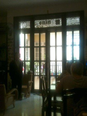 HueNino Hotel:                                     Lobby/Dining/Computer Area