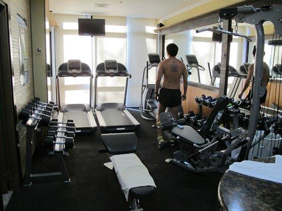 Le Monet Hotel:                   Gym