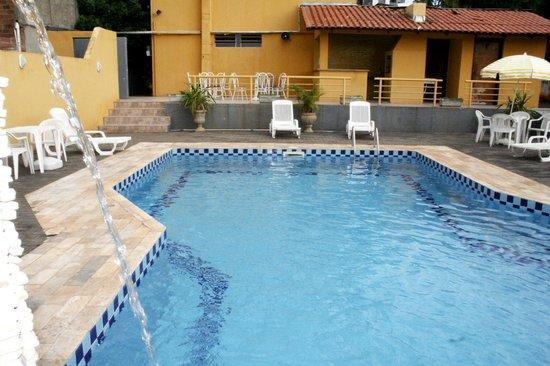 Hotel Cassino Iguassu Falls: Piscina com churrasqueira
