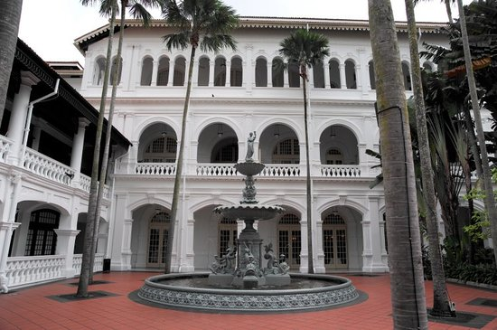 Raffles Hotel Singapore:                   Front